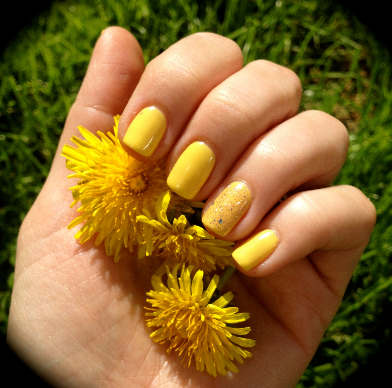 Spring yellow gel polish.jpg