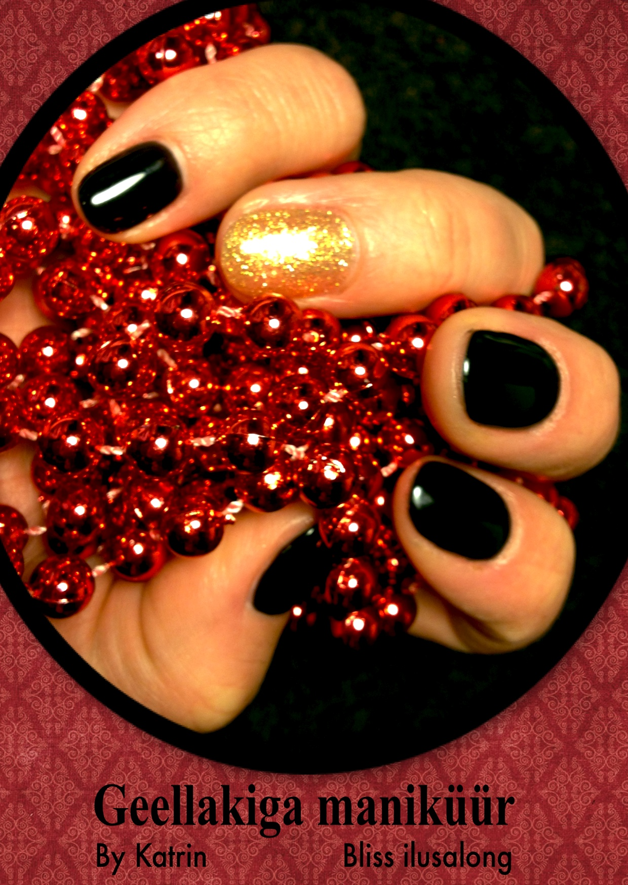 Black and gold manicure.jpg